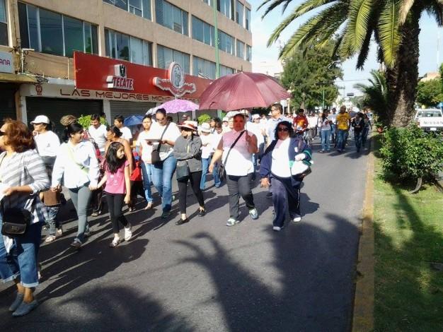 """Potosinos protestaron en contra de la """"privatización"""" del IMSS e ISSSTE (San Luis Potosí)"""