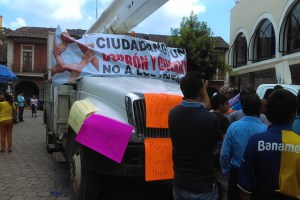 Desbloquean calles pero instalan plantón contra CFE en Huauchinango (Puebla)