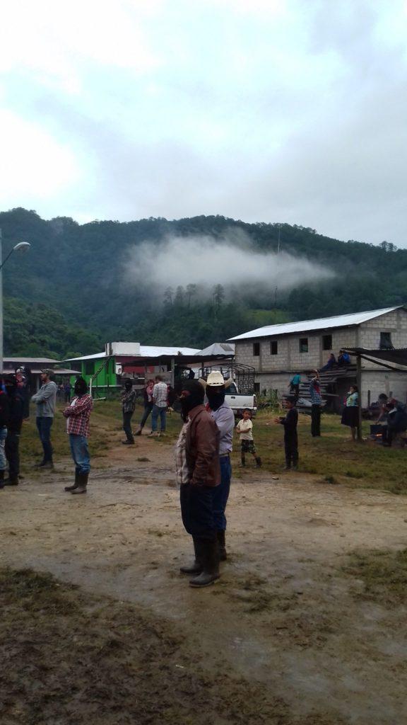 La Montaña, las contrucciones de dos niveles el terreno y el clima caracteristicos de La Garrucha