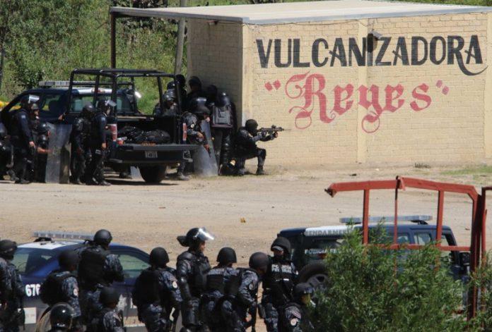Acreditan policías armados en Nochixtlán (Oaxaca)