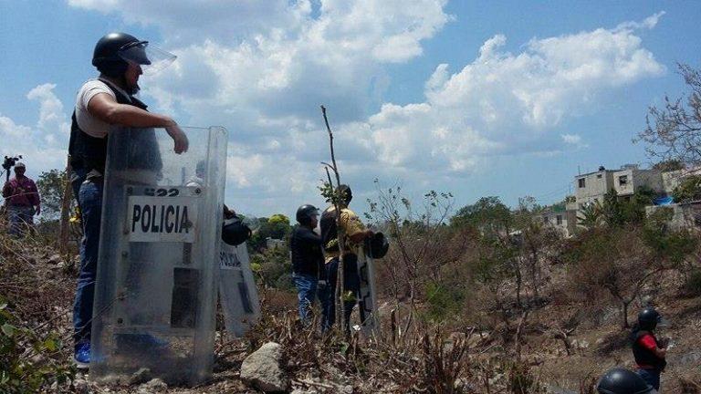 Desalojan violentamente a familias de invasión en Jardines (Campeche)