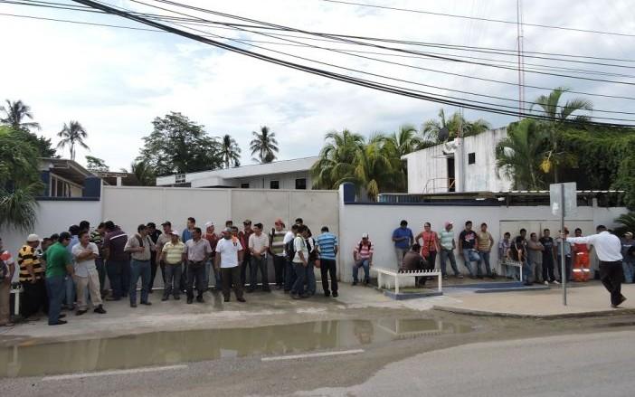 Despide 'Diavaz' 3 mil empleados (Tabasco)