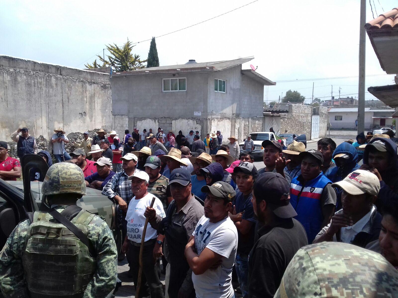 Habitantes de Cuesta Blanca, reclaman al ejército abuso de autoridad (Puebla)