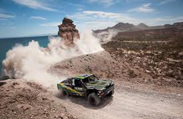 Aplazan dos días ultimátum para cerrar las brechas a la Baja Mil (Baja California Sur)