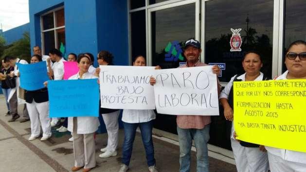 Pactan 'tregua' manifestantes y secretario de Salud (Sinaloa)