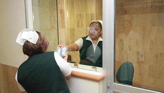 Trabajan con las uñas en el IMSS (Saltillo, Coahuila)