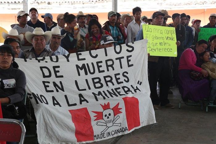 Minera canadiense va a la sierra norte de Puebla por más oro, y se topa con una rebelión indígena