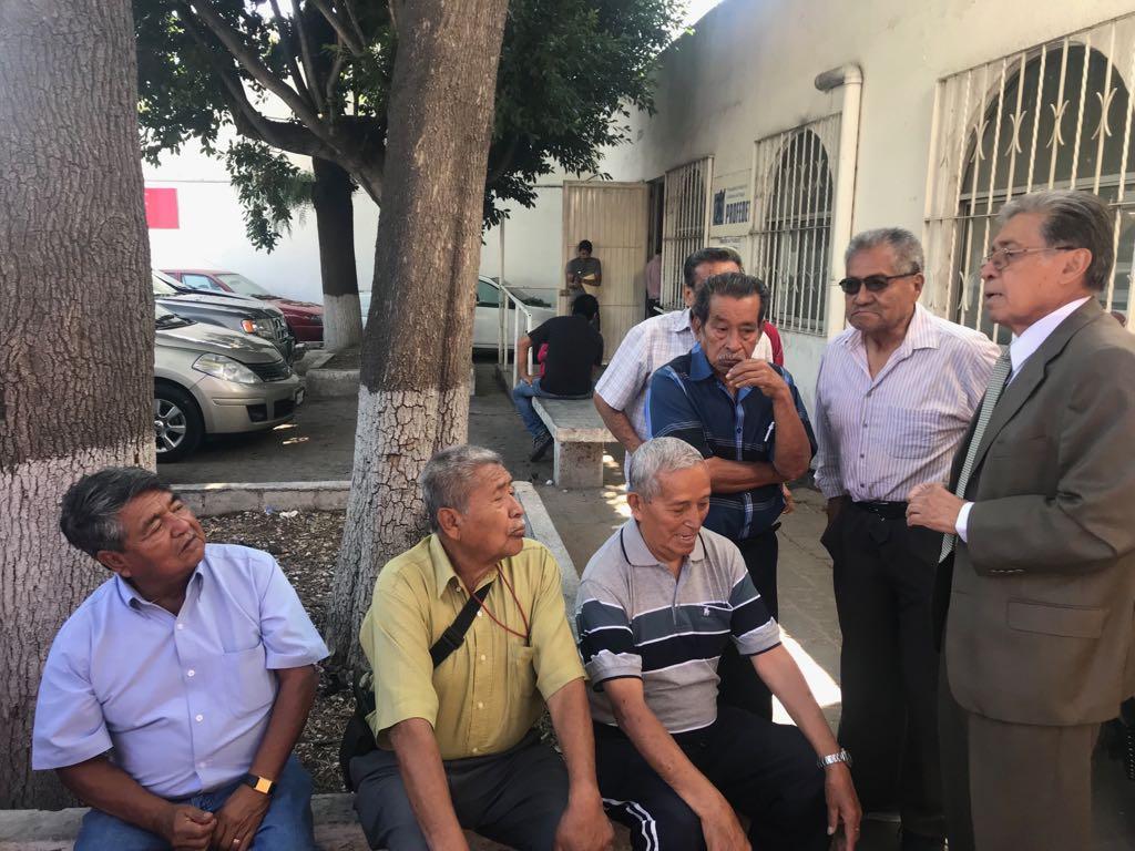 Luchan jubilados de Hércules (Empresa textil de Querétaro)