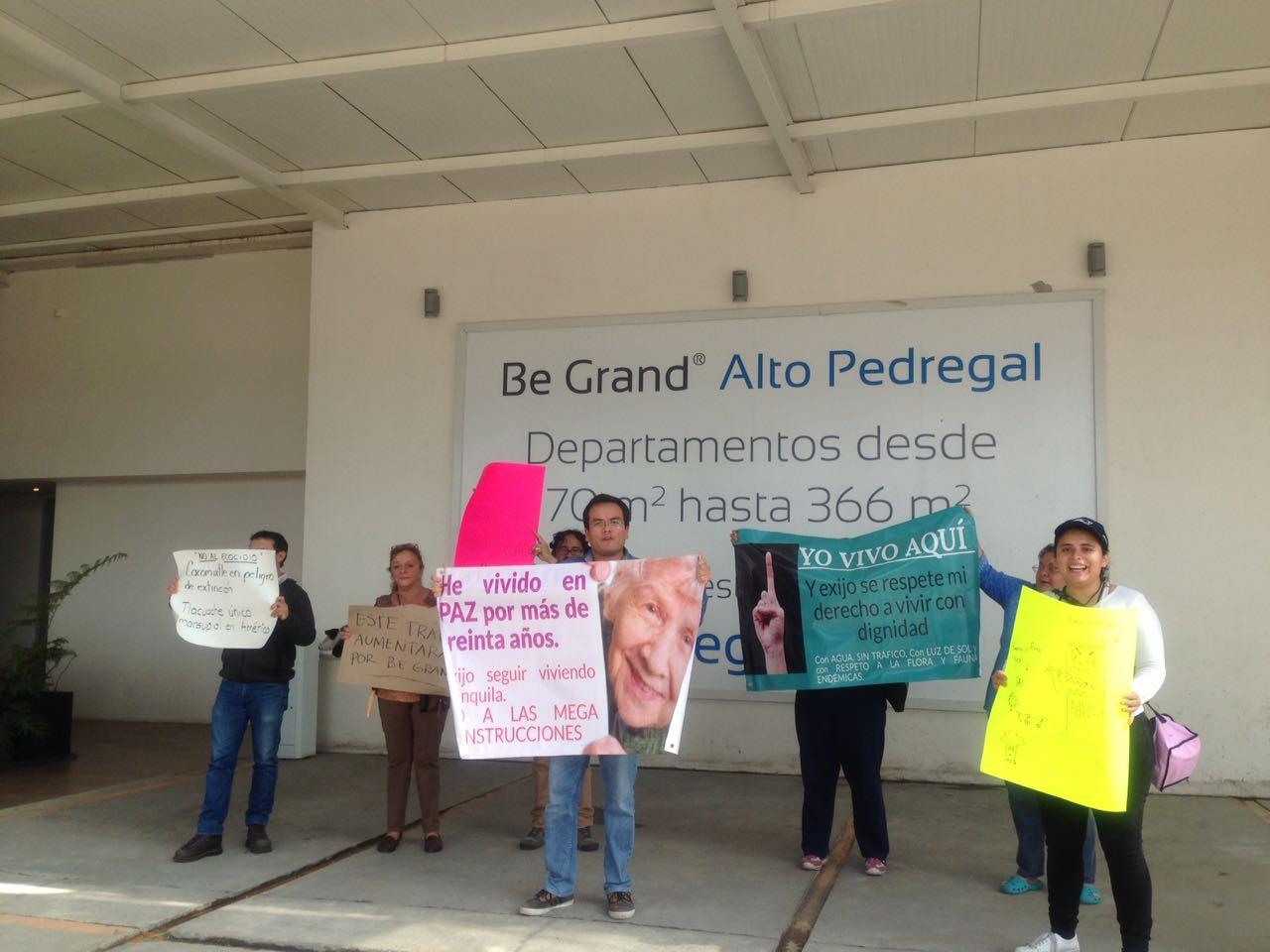 Habitantes de la unidad habitacional Villas del Pedregal le ponen el cascabel a BeGrand (Ciudad de México)