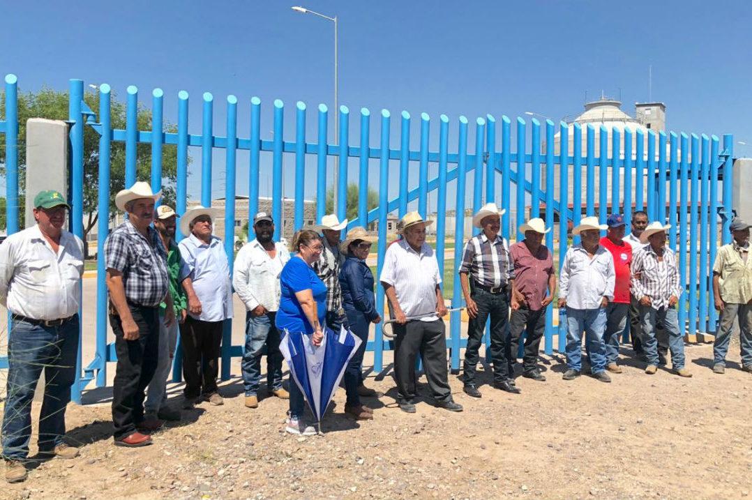 Tío de la gobernadora de Sonora se apodera del agua de riego, denuncian ejidatarios