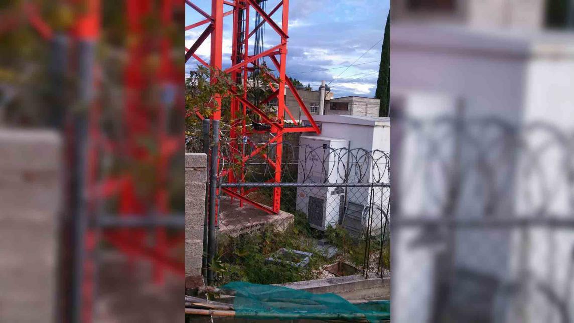 """Antena irradia nocivo """"electroesmog"""" en la colonia del Maestro, Oaxaca"""