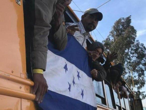 Más de 2 mil migrantes en Tijuana en espera de asilo político en EU