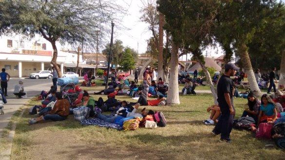 Llegan mil 500 integrantes de la caravana del migrante al centro de Mexicali (Baja California)