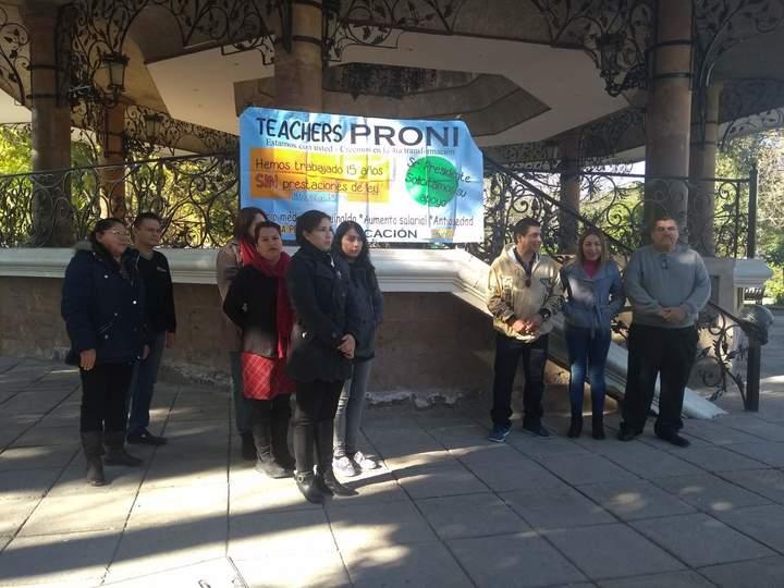 Demandan maestros de Inglés regularizar su situación laboral (Durango)