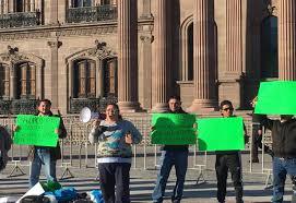 Acusan a 'El Bronco' de violar derechos (Nuevo León)