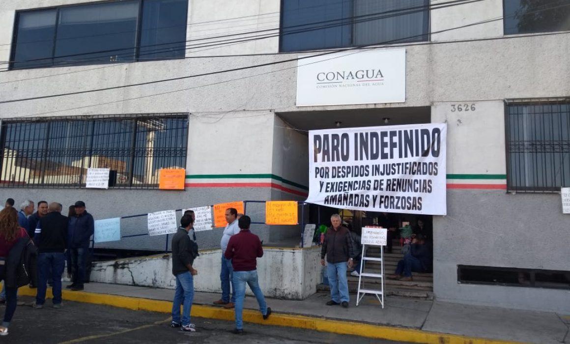 Protesta en Conagua contra despidos en oficinas federales (Michoacán)