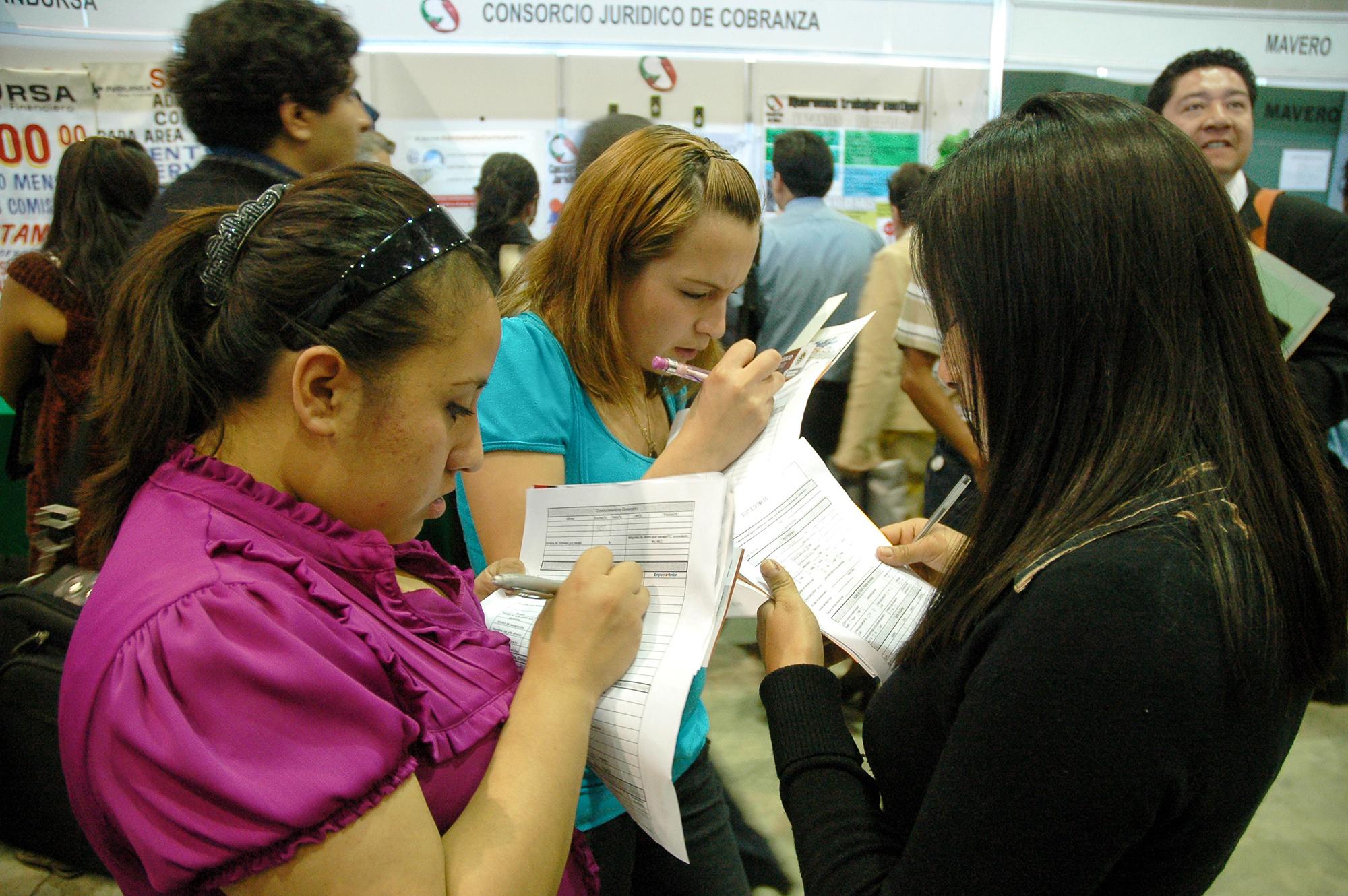 Gran precariedad laboral viven los mexicanos, señala el Coneval