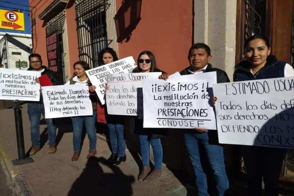 Trabajadores de la Condusef Durango cierran oficinas; denuncian reducción ilegal de prestaciones