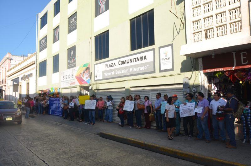 Burócratas intensificarán medidas de protesta (Yucatán)