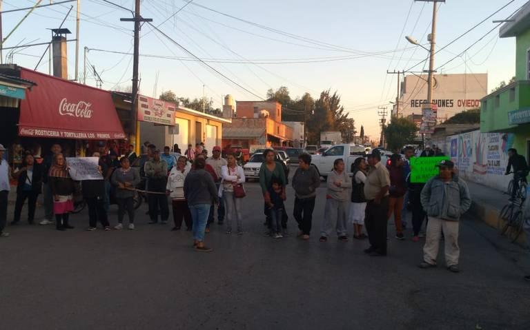 Vecinos de Tlaxcoapan cierran calles por falta de agua potable (Hidalgo)