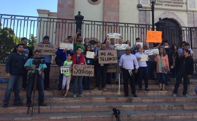 Comunicadores de Sinaloa protestan por asesinato del periodista Santiago Barroso Alfaro