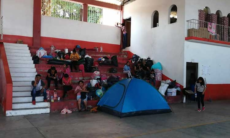 Sigue éxodo de familias de pueblos de la sierra de Leonardo Bravo por la violencia (Guerrero)