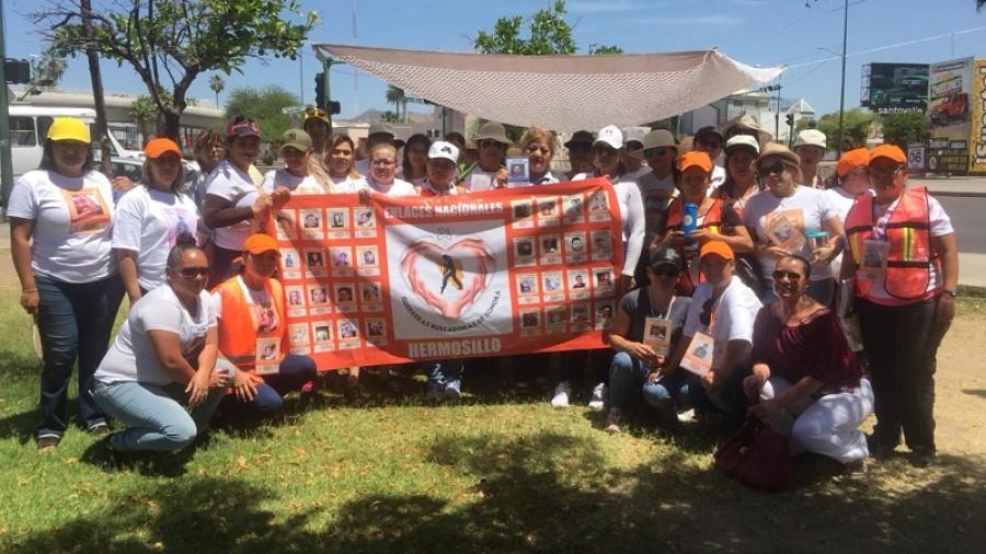 Guerreras Buscadoras realizan colecta de herramientas en la Plaza Emiliana de Zubeldía en Hermosillo