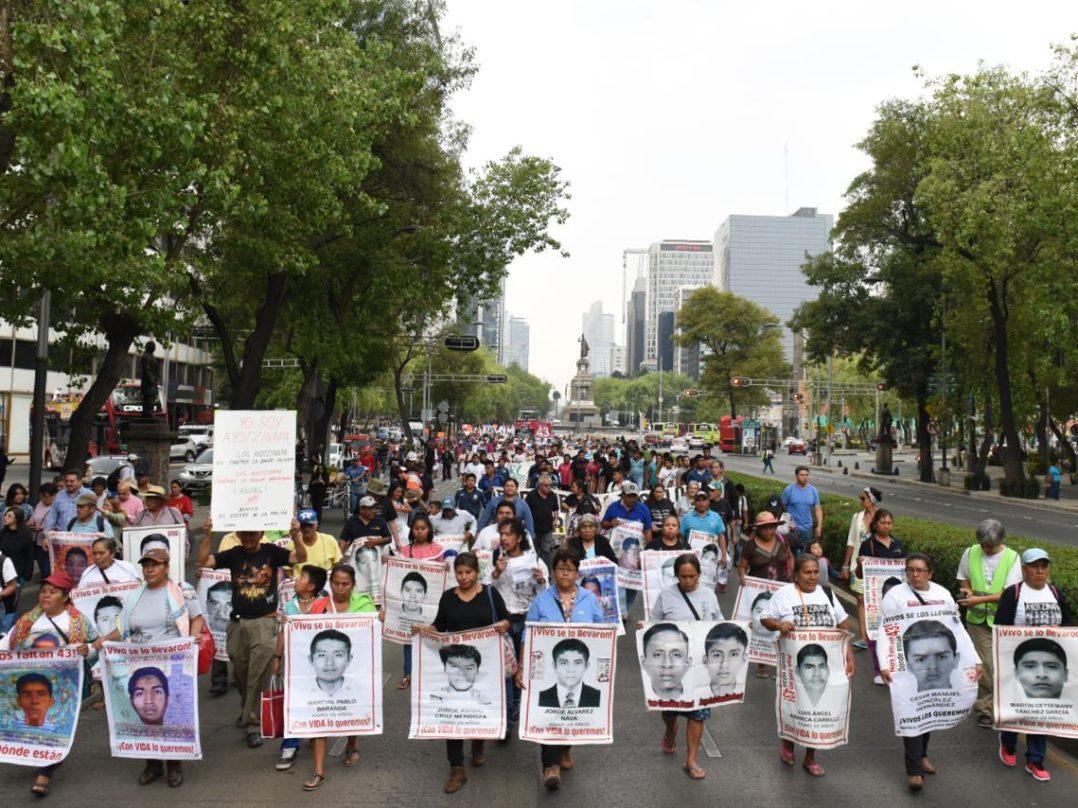 Familiares de los 43 exigen la designación del fiscal especial para el caso Ayotzinapa
