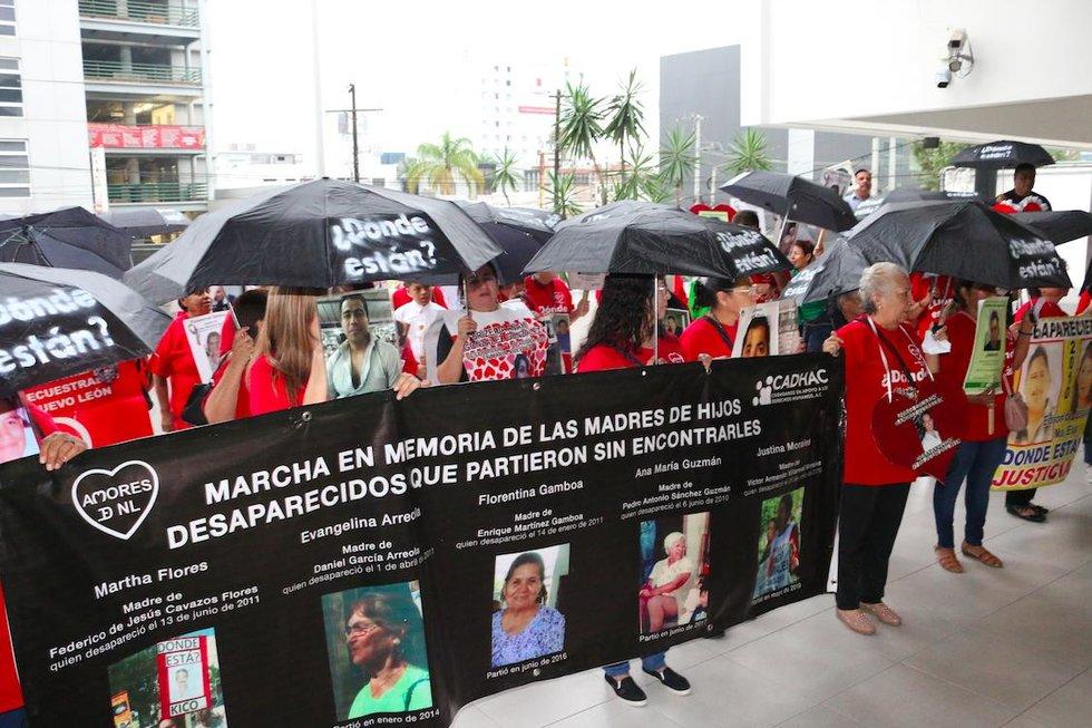 Marchan madres en Nuevo León por sus hijos desaparecidos