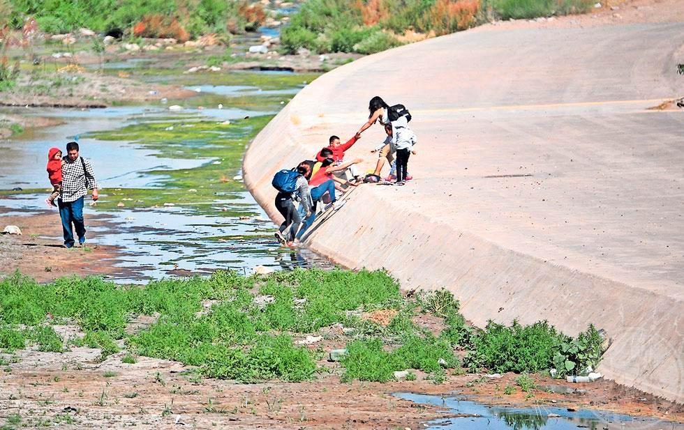 Muro no frena a los migrantes (Chihuahua)