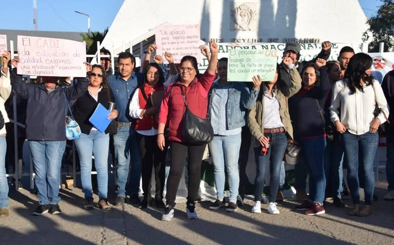 Maestros del CADI toman la SEED (Durango)