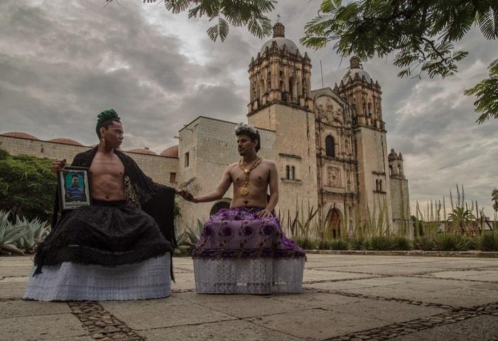 Performance denuncia pasividad del gobierno de México ante desapariciones de personas (Oaxaca)