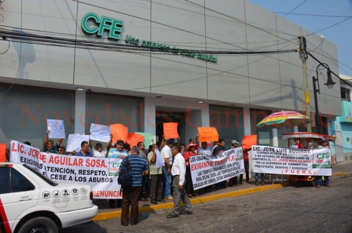 Protesta contra la CFE por abuso en el servicio (Campeche)