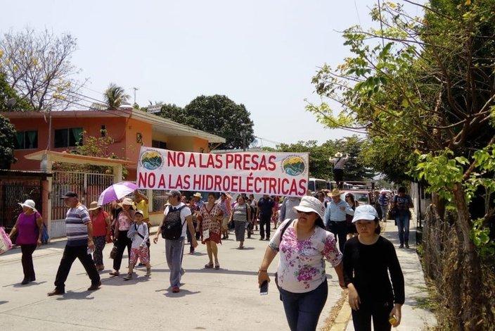 Multitudinaria negativa a la minería tóxica y a las represas en Veracruz