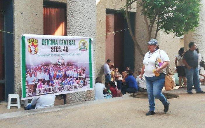 Mantienen protesta trabajadores de Salud federales en Tabasco