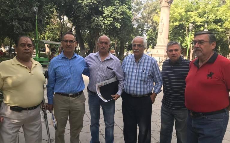 Ex trabajadores del municipio de Lerdo exigen ser reinstalados (Durango)