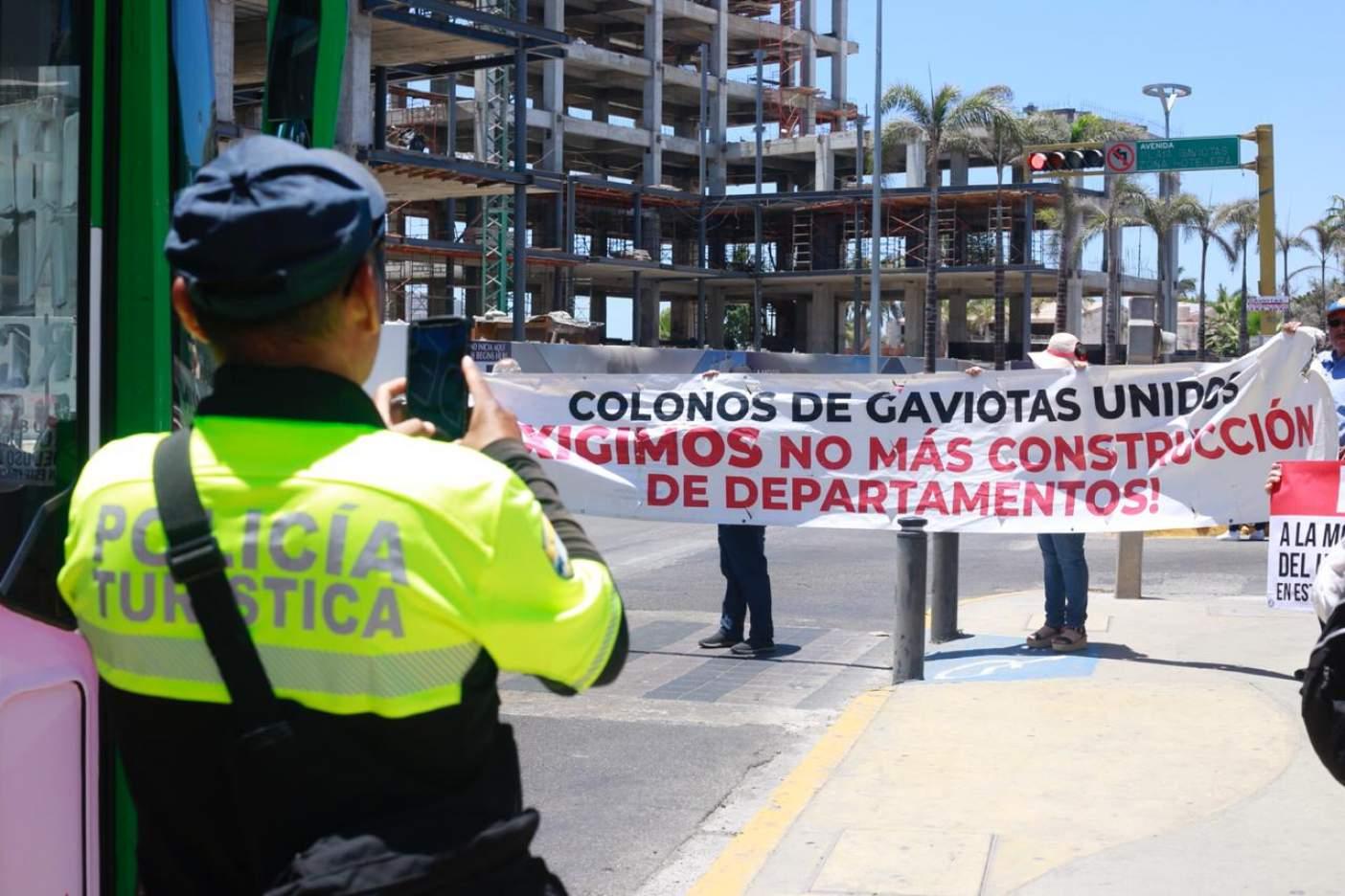 Exigen vecinos parar construcción de torres de condominios (Sinaloa)
