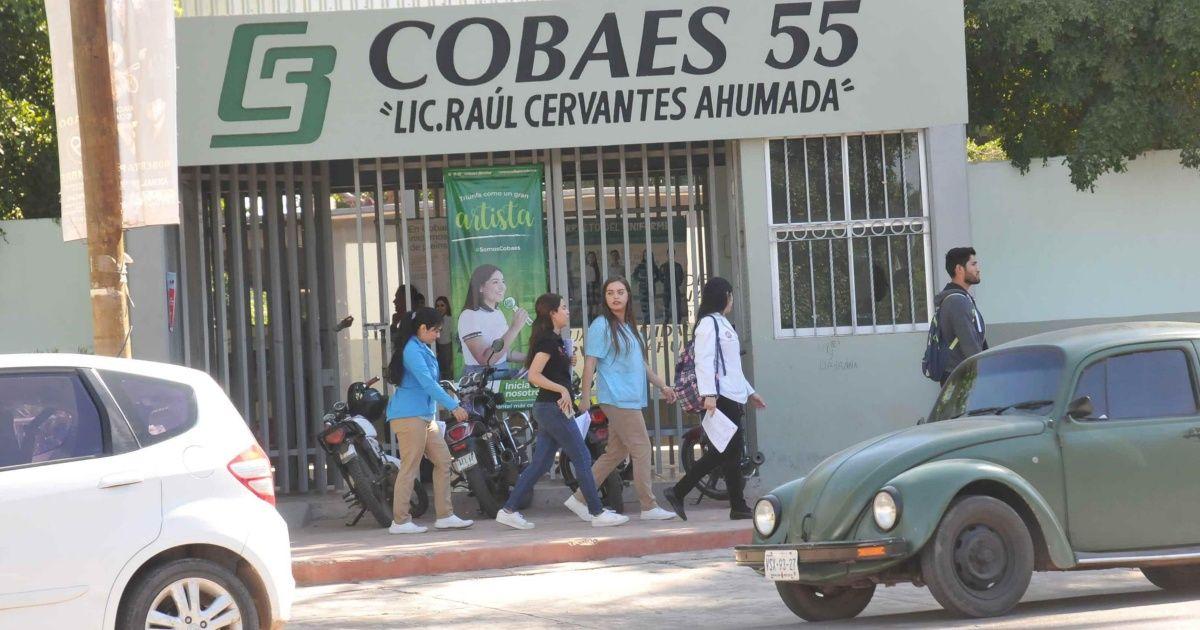 Jubilados de Cobaes amenazan con tomar Palacio de Gobierno (Sinaloa)