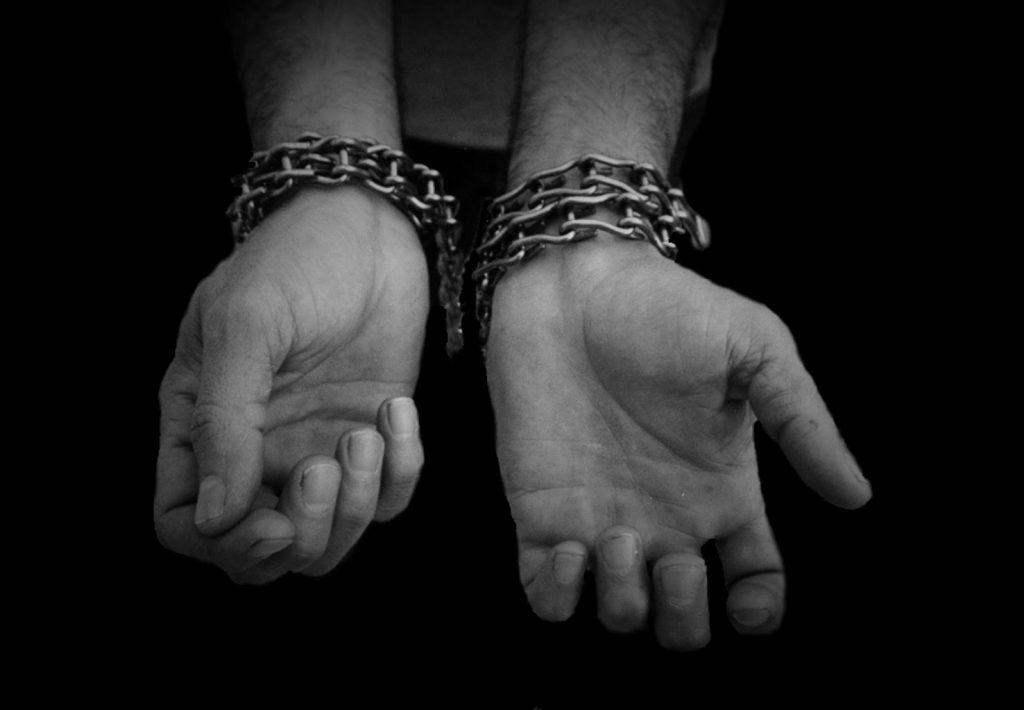 Víctimas de tortura protestan frente a Fiscalía de Aguascalientes