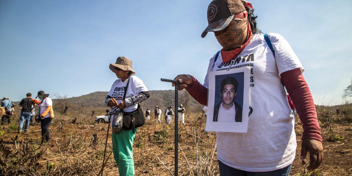 Logran familias más hallazgos que las autoridades en caravana de búsqueda (Michoacán)