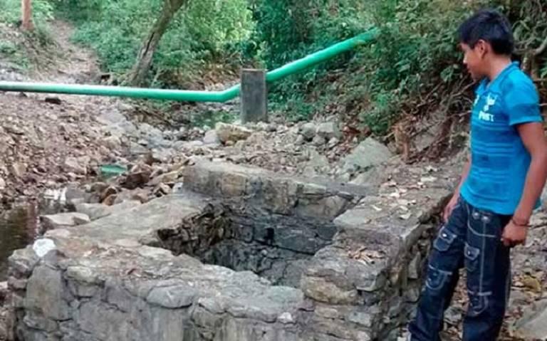Indígenas denuncian a particulares, explotan pozos de agua (San Luis Potosí)