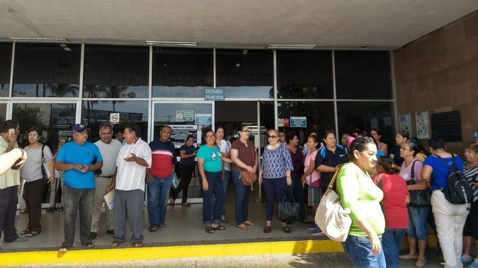 Exigen a AMLO no quitar hemodiálisis del IMSS (Sinaloa)