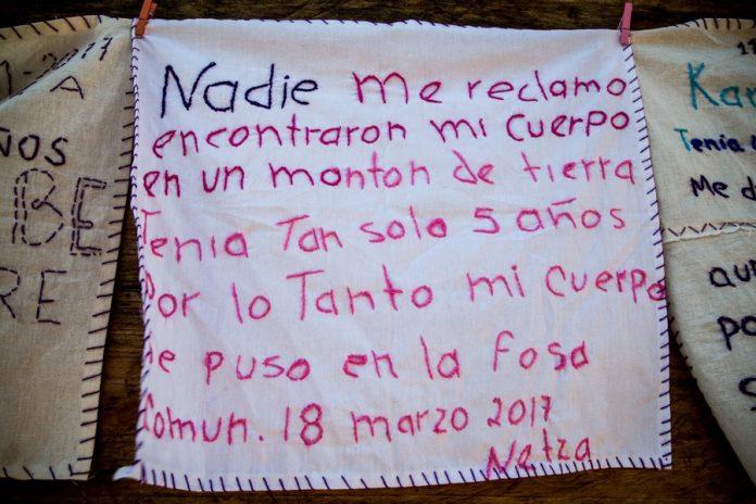 Mexicanas bordan feminicidio en el desierto de la violencia (Ciudad de México)