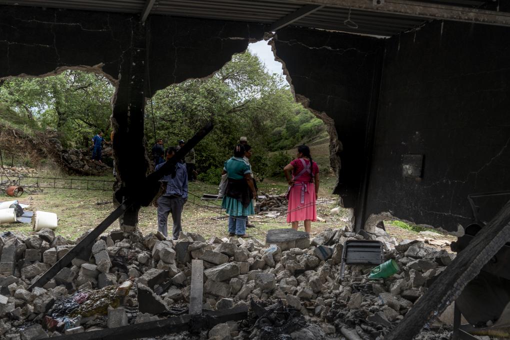 Atacan y derriban casas de indígenas zapotecos, los acusan de usurpar sus propias tierras (Oaxaca)