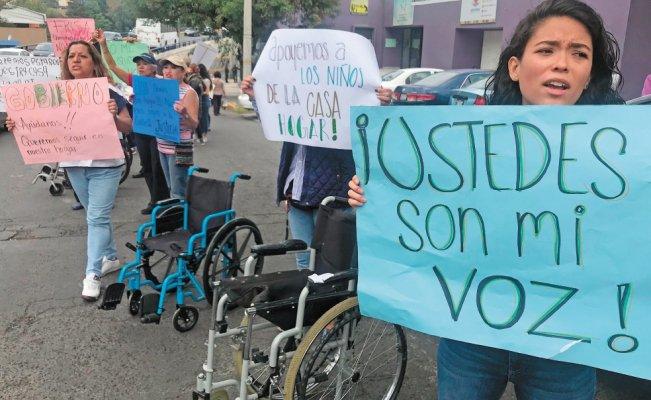 Protestan contra desalojo de casa-hogar en Naucalpan (Edomex)