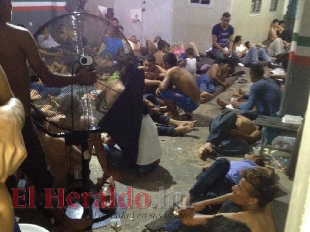 Hondureña denuncia inhumanas condiciones en centro de detención de migrantes en Tabasco, México