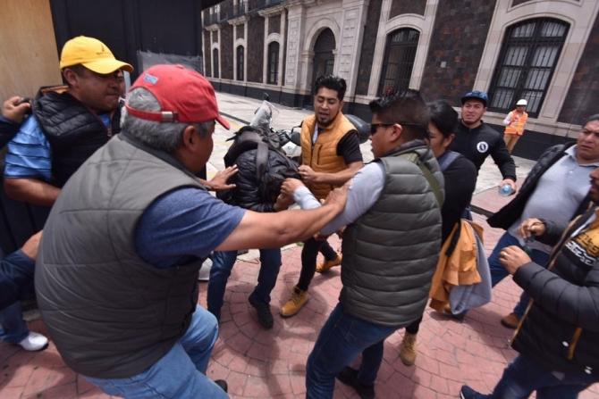 Inspectores municipales agreden a fotógrafos de prensa (Edomex)