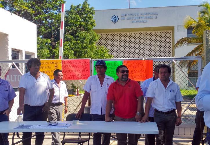 Trabajadores del INAH protestan por despidos y cobros injustificados (Yucatán)