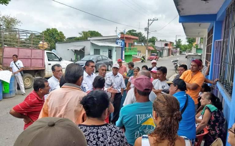 Cierran carretera por falta de agua (Tabasco)