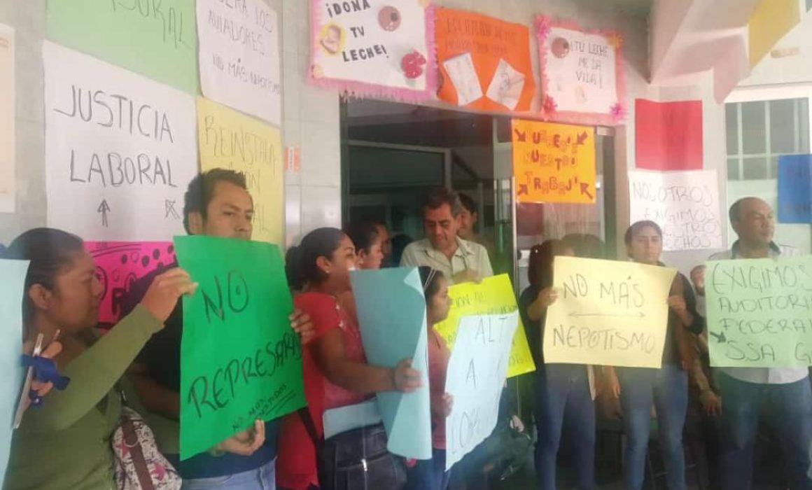 Protestan por segundo día trabajadores del hospital de Chilapa (Guerrero)